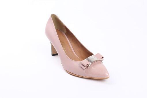 pink-shoe-589193__340