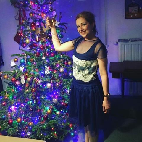 blusa de fiesta azul con encaje