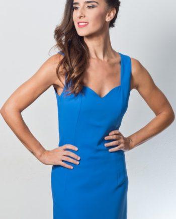 vestido de invitada azul con escote corazón