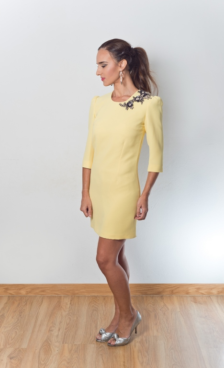vestido de fiesta amarillo corto