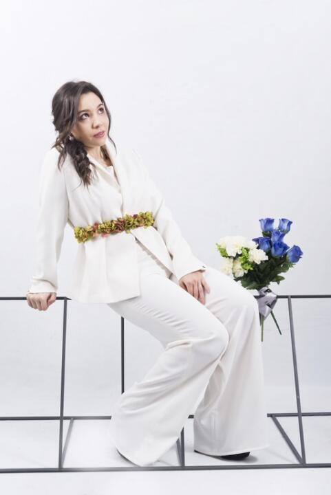 traje de novia con pantalones