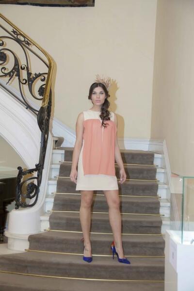 vestido de fiesta beige