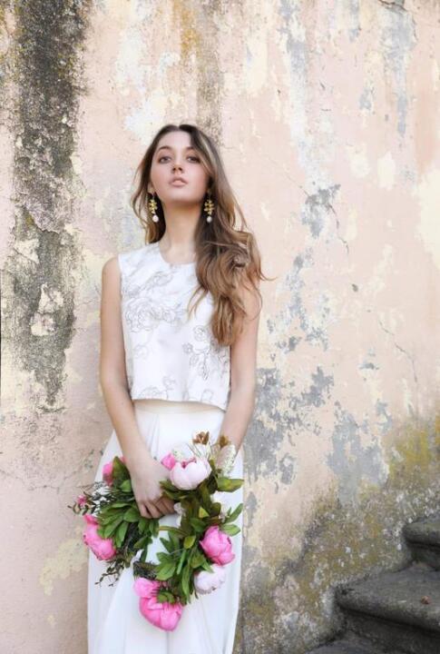 4ce4f643fd8 Vestidos de novia a medida y trajes de novia con pantalones ...