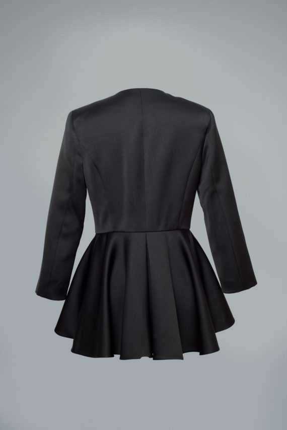 chaqueta negra elegante